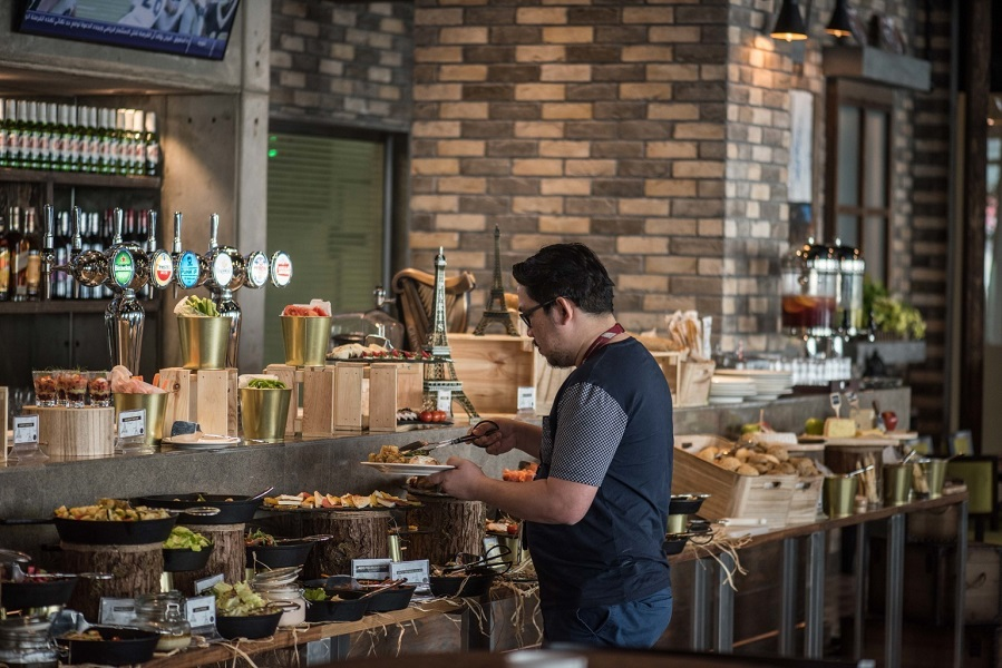 Enjoy a mouth-watering brunch at Beau Rivage Bistro