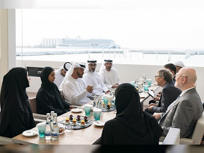 Mohamed bin Zayed receives Bill Gates at the Louvre Abu Dhabi