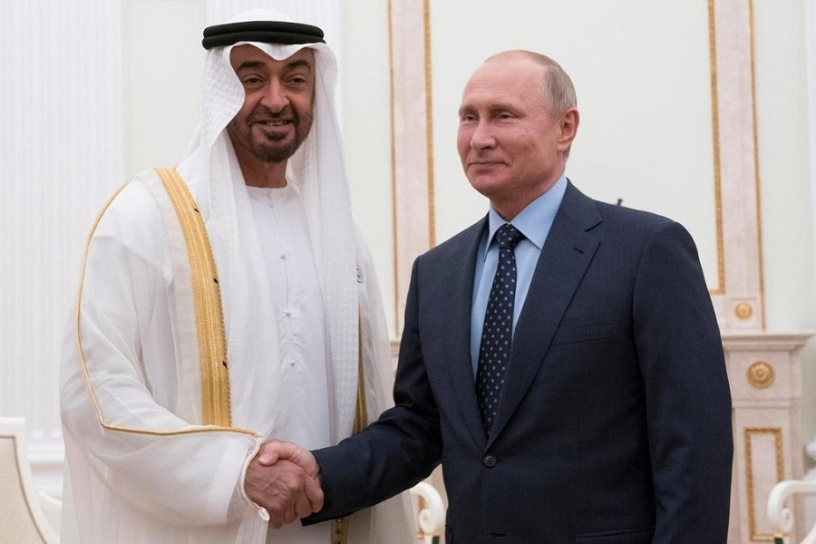 Sheikh Mohamed bin Zayed holds talks with Vladimir Putin