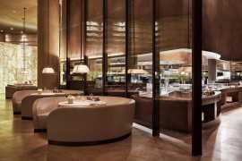 快来阿玛尼酒店(Armani Hotel)餐厅度过休闲假日