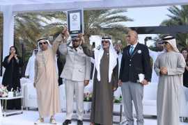 UAE sets a new Guinness record for longest handshake
