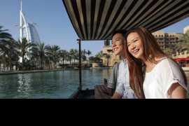 迪拜为中国游客提供即时退税