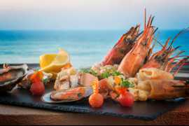 Weekend starts with Seafood & Art at Plantation Restaurant & Terrace