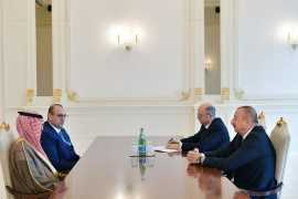 Ильхам Алиев принял руководителей компаний ACWA Power и Masdar
