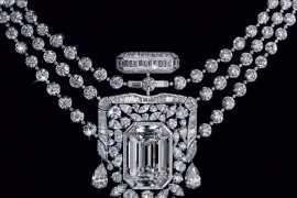 Украшения, посвященные легендарному аромату Chanel № 5