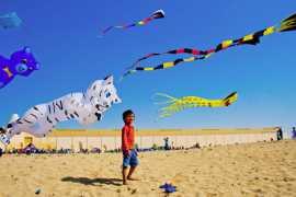 迪拜打折商场举办风筝节