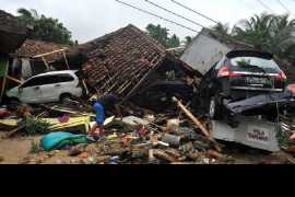 Tsunami in Indonesia kills at least 168 without warning (Video)