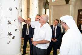President of Belarus visits Sheikh Zayed Grand Mosque