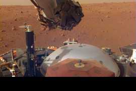 NASA InSight lander 'hears' Martian winds (Video)