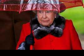 Британская королева отказалась впредь приобретать одежду с натуральным мехом