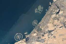 МКС фотографирует острова Дубая из космоса