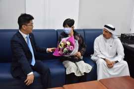 李旭航总领事慰问阿联酋首例康复治愈的新冠肺炎患者